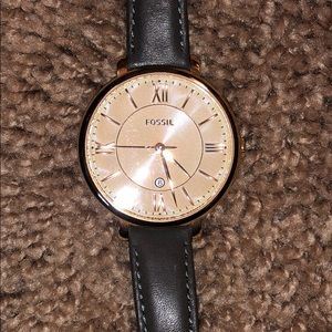 **NEVER WORN** Fossil rose gold watch